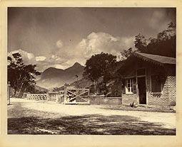 Photo: Estrada União e Indústria. Antigo pedágio do Retiro. Foto de 1871