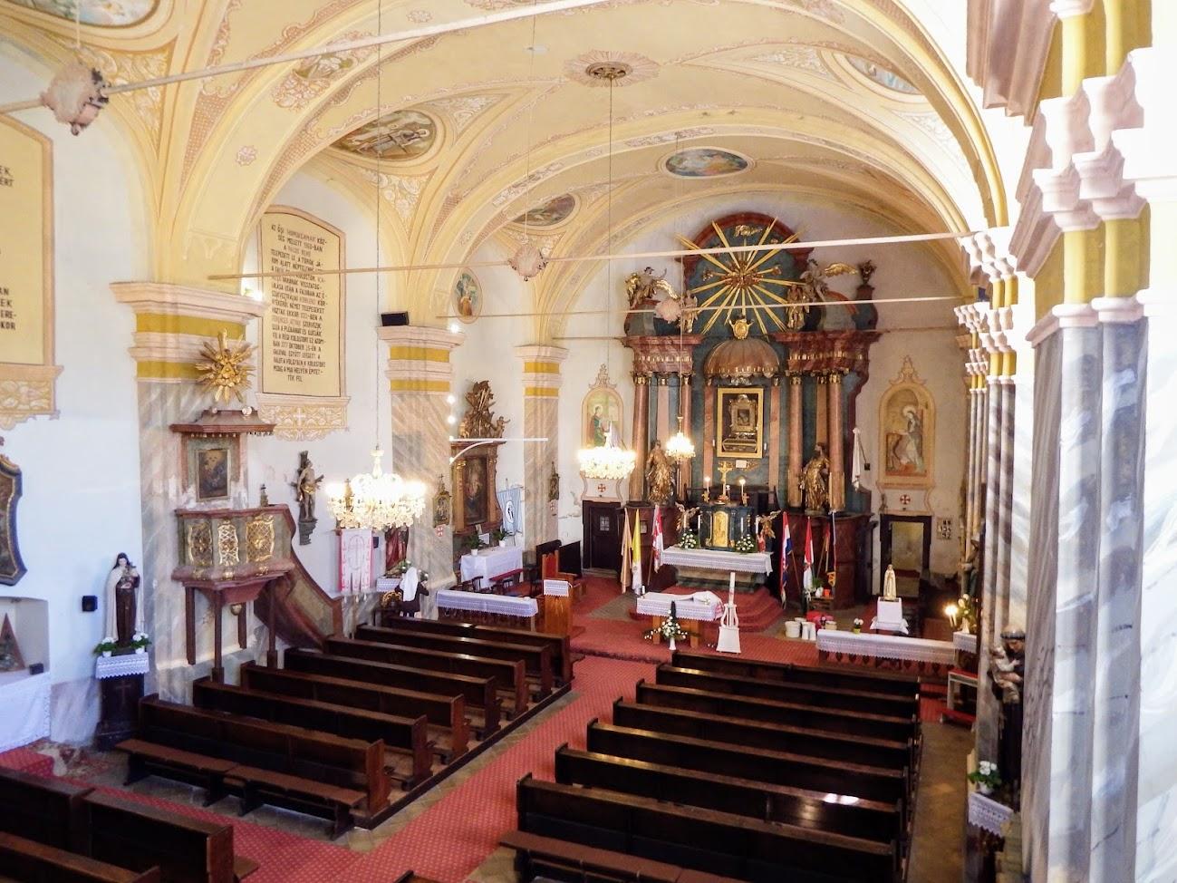 Homokkomárom - Kisboldogasszony rk. templom, templombelső