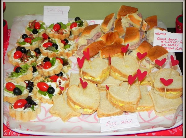 Here is a photo of my ladybug love tea sammies at the Valentine Party...