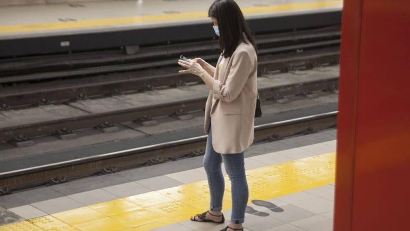 La aplicación no usa la geolocalización y protege la identidad de los usuarios.