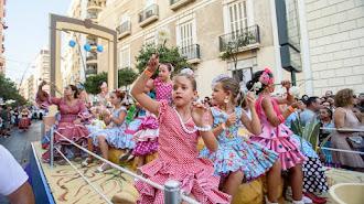 Tradicional Batalla de Flores en la Feria de Almería.