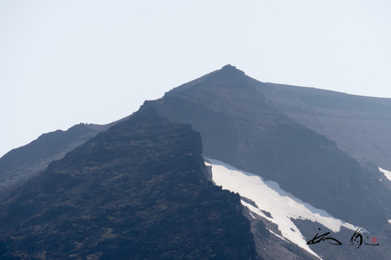 猛々しい旭岳を望む。。。