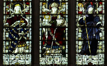 Photo: Detail 4 - Stained glass window West front Hereford Cathedral - 1902