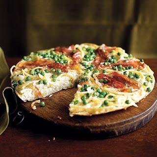 Spaghetti Pie with Prosciutto and Peas