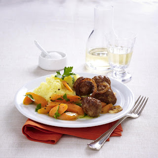 Meatballs with Mashed Potatoes and Carrots