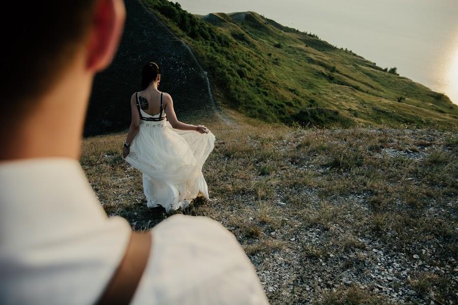 Wedding photographer Aleksey Kremov (AplusKR). Photo of 16.01.2017