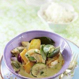 Thailändisches grünes Curry mit Hähnchen