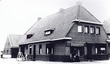 Photo: nieuwe winkel bakkerij Udding 1934