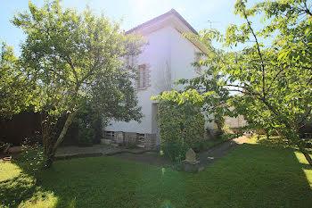maison à Luzech (46)