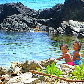 Bestfriend by Ricky Cuaresma - Babies & Children Children Candids ( friends, sea, beach )