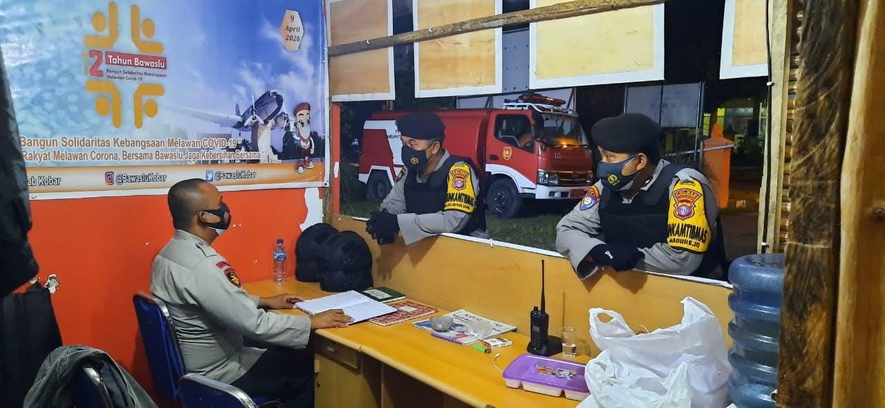 Patroli Malam Polsek Arsel Cek Dan Kontrol KPUD Dan Bawaslu Kobar