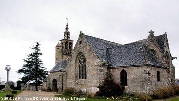 photo de eglise Saint-Pierre à Ploulec'h