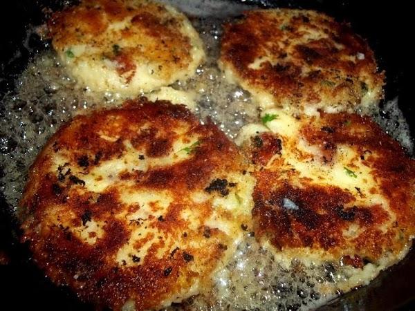 ~  Irish Potato Cakes / Savory & Crispy ~ Cassies Recipe
