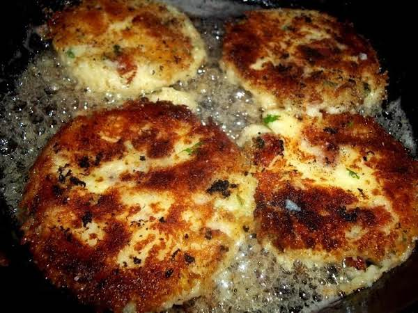 ~  Irish Potato Cakes / Savory & Crispy ~ Cassies