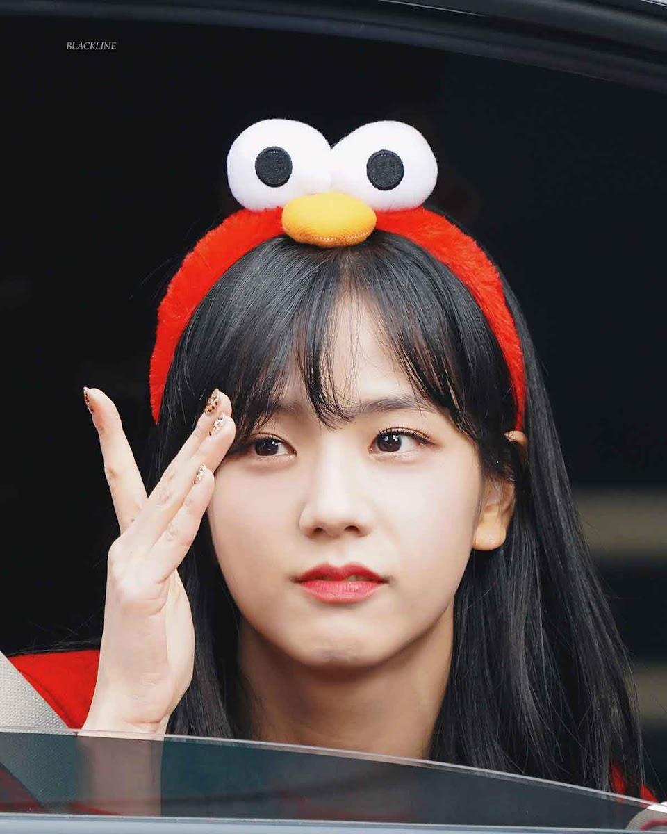 blackpink-jisoo-leaving-inkigayo-2018-8