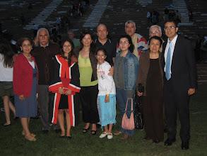 Photo: 28 Haziran 2009 - Ezgi'nin mezuniyet töreni. Evimdeki tek çerçeveli resim.
