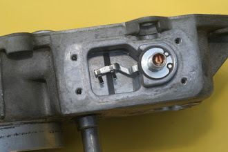 Photo: 1990 Benz 300E2.6 air flow sensor potentiometer wiper
