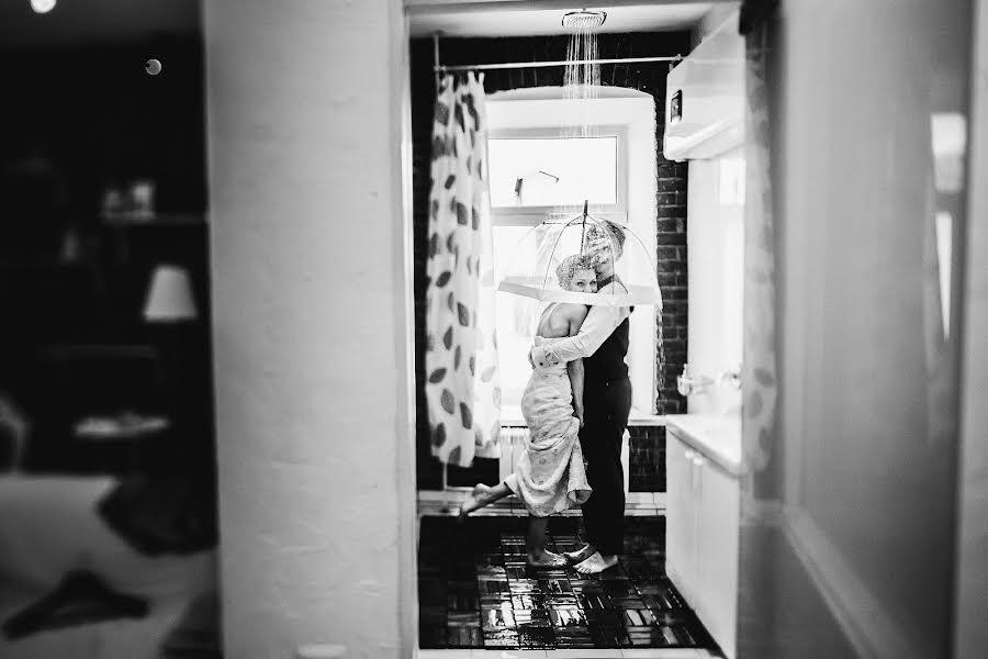 Wedding photographer Слава Семенов (ctapocta). Photo of 19.10.2015