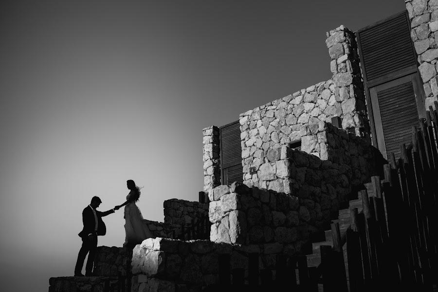 Wedding photographer Víctor Martí (victormarti). Photo of 24.12.2016