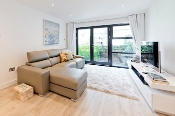 Sauls Court Serviced Apartment, Portobello