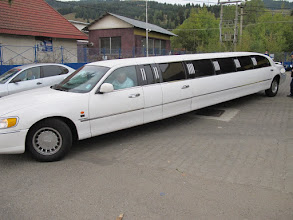 Photo: Rou5lns425-151004départ voiture super longue, VatraDornei, arrêt TK, station service IMG_9191