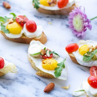 Crostini With Quail Eggs {Perfect For Brunch}
