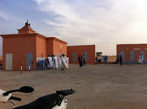 Photo: Stop for the end of the day pray, a mosque on the left