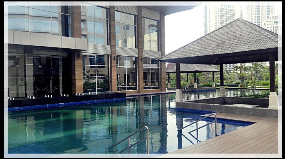 pool of Botanica apartment