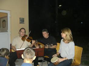 Photo: Tabulatúra régizene együttes ajándék-koncertje az emmausi gyerekeknek.