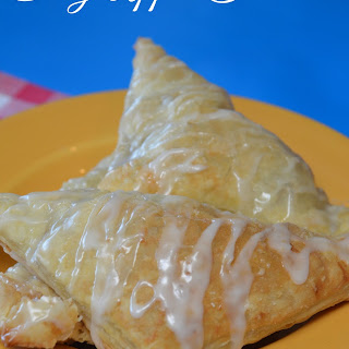 Easy Flaky Apple Turnover