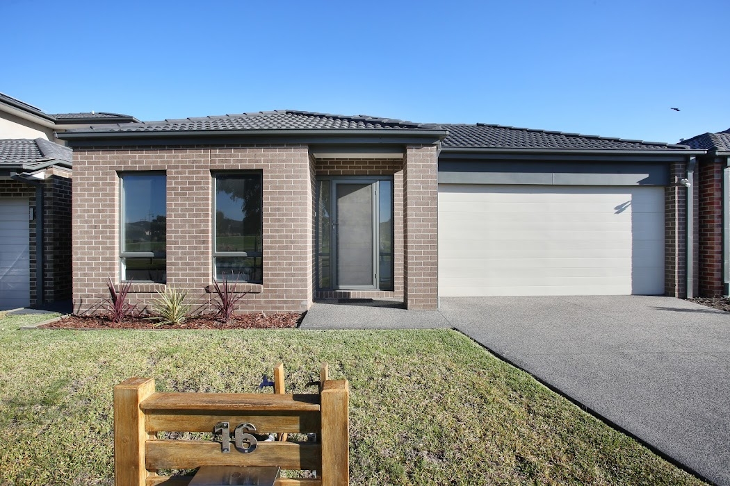 Main photo of property at 16 Alice Mary Road, Cranbourne West 3977