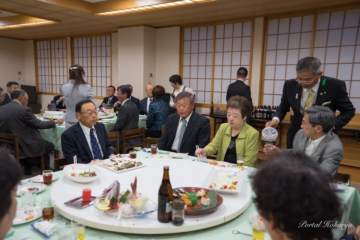 テーブル・鶴