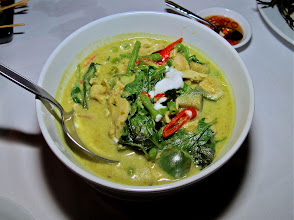 Photo: green curry with chicken