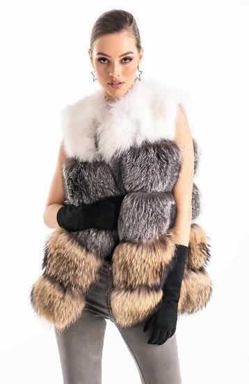 Vesta dama din blana naturala de vulpe si raton, vesta scurta, culori argintiu, alb si bej, confort termic sporit - disponibila pe vesa.ro