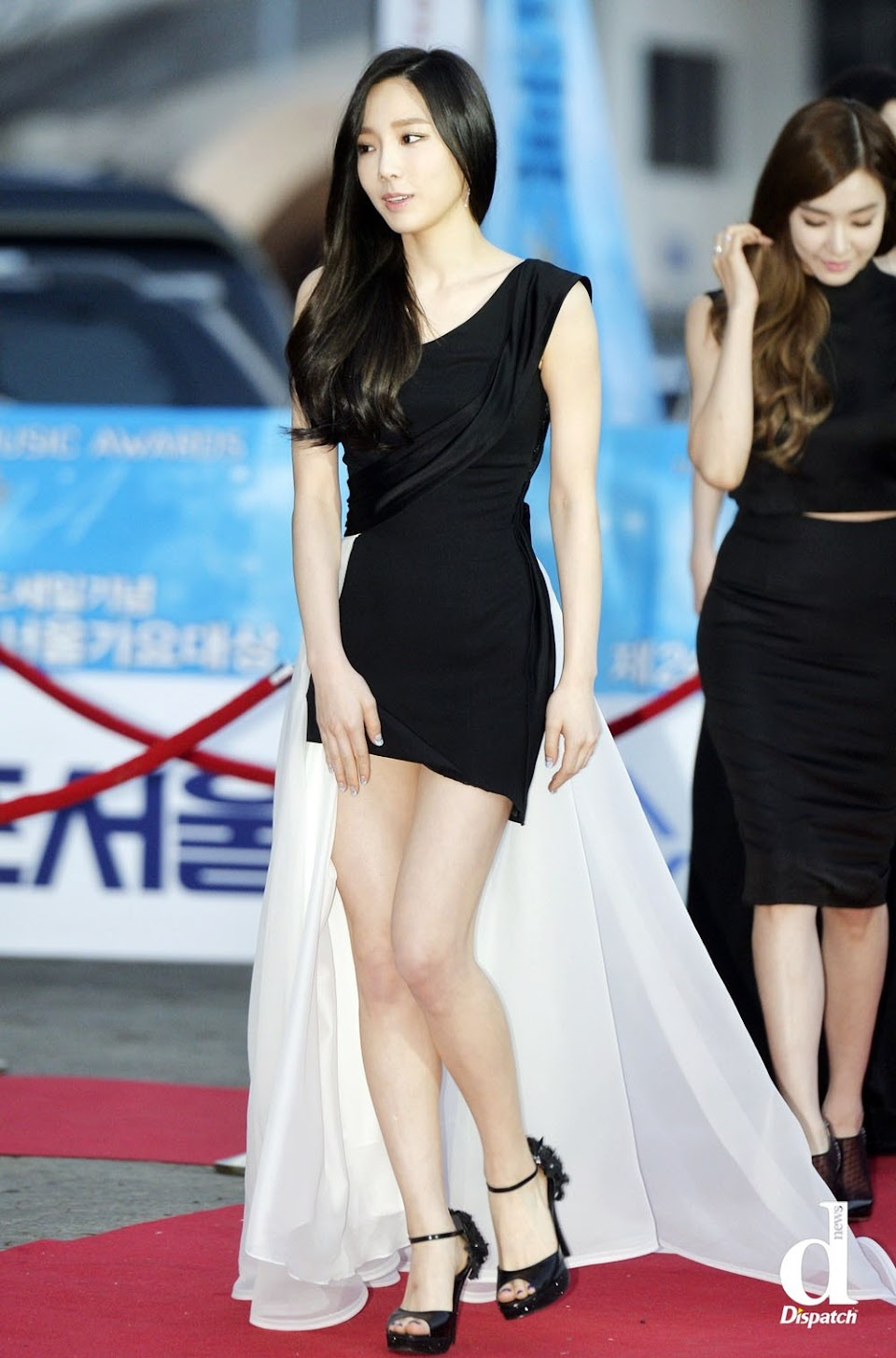 taeyeon gown 14