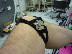Photo: Knee magnet strap.