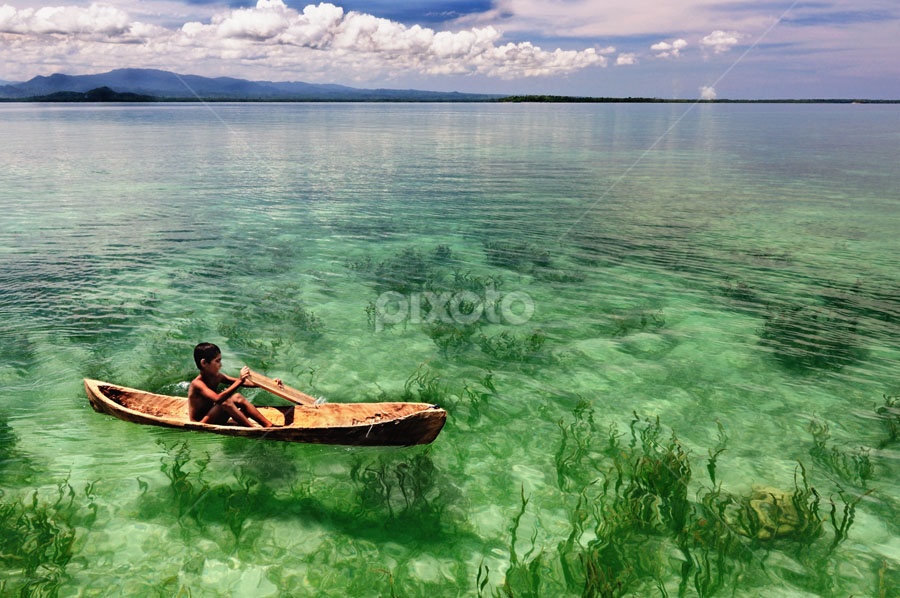 dayung sampan... by Mahdy Muchammad - Landscapes Waterscapes ( water, child, boat )