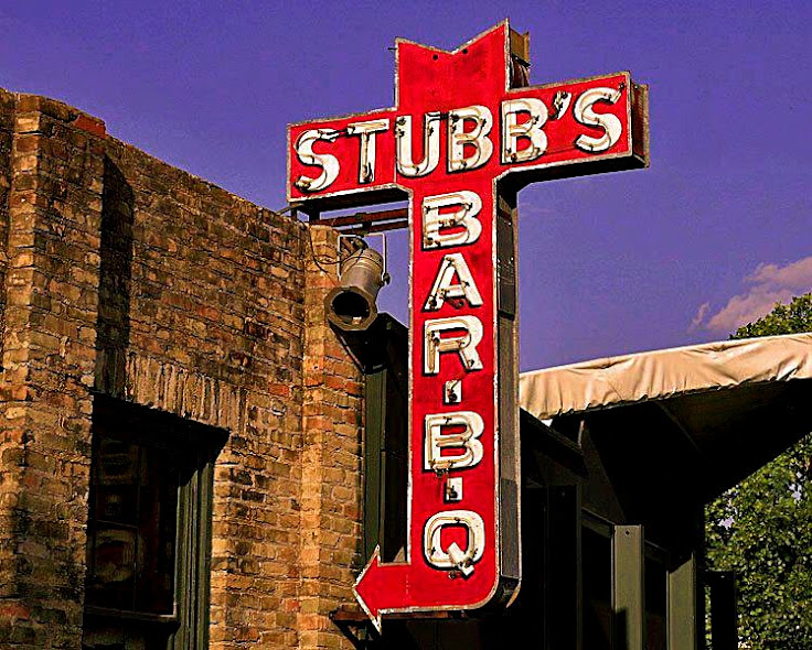 The iconic Stubb's BAR-B-Q sign.