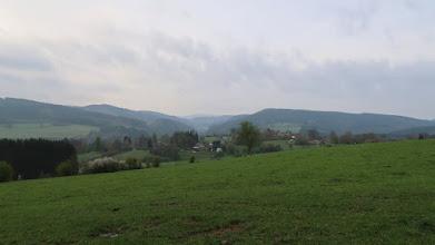 Photo: Villages d'Oufny et Habiémont. Vallée de la Lienne avec, à droite au loin : Picheux-Haut