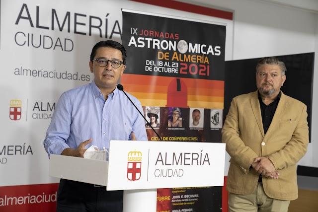 Presentación de las IX Jornadas Astronómicas en Almería.