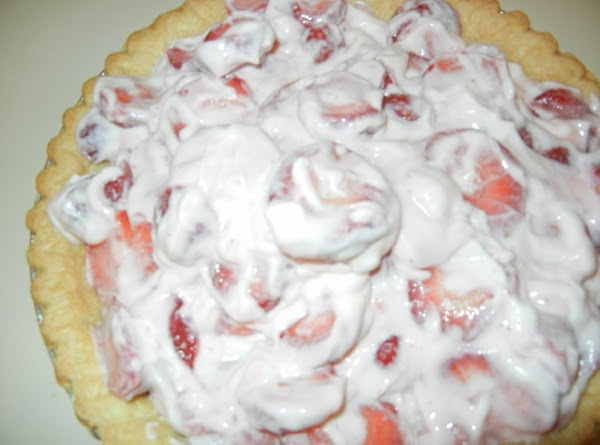 Add fruit and cream cheese mixture to cooled pie crust and refrigerate.