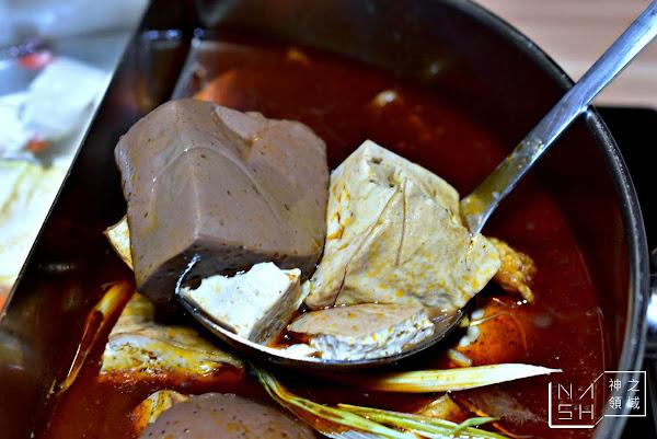 大師兄麻辣鍋|東區火鍋-鍋底和銷魂麵好吃 但整體價錢偏貴 (菜單價錢)