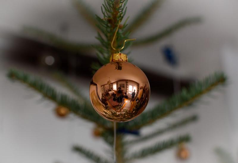 Pallina sull'albero di Natale di Danis_photocorner