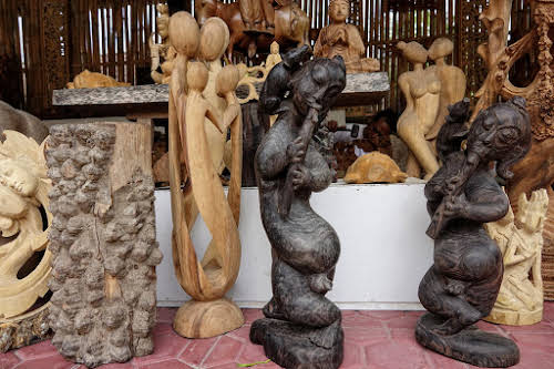 Crafts of Indonesia. Different types of wood