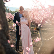 Wedding photographer Dasha Saveleva (savelieva). Photo of 15.04.2017
