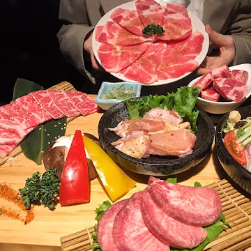 Nikuniku 肉肉燒肉 五權西路店