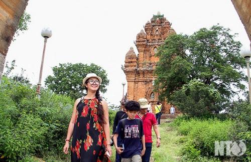Du lịch Ninh Thuận phát huy di tích văn hóa