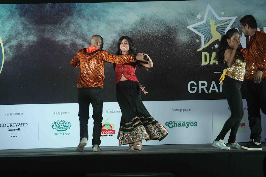 Shibani Kashyap dancing at Sandip Soparrkar's 4th Indian Dance Week