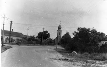 Photo: Református templom az Alsó és Felső utca útkereszteződésétől nézve 1960-1970-es évek
