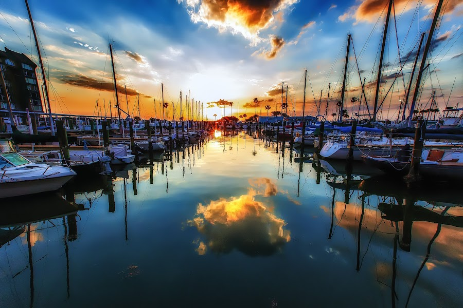 Cloud 9 by Jerry Boyden - Landscapes Waterscapes